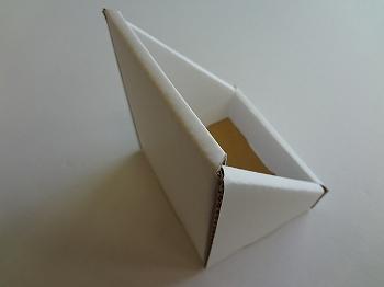 カウンター用ダンボール什器-5.jpg