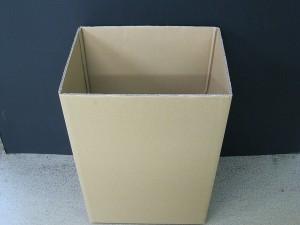ダンボールのゴミ箱です